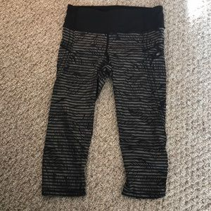Lululemon cropped tights